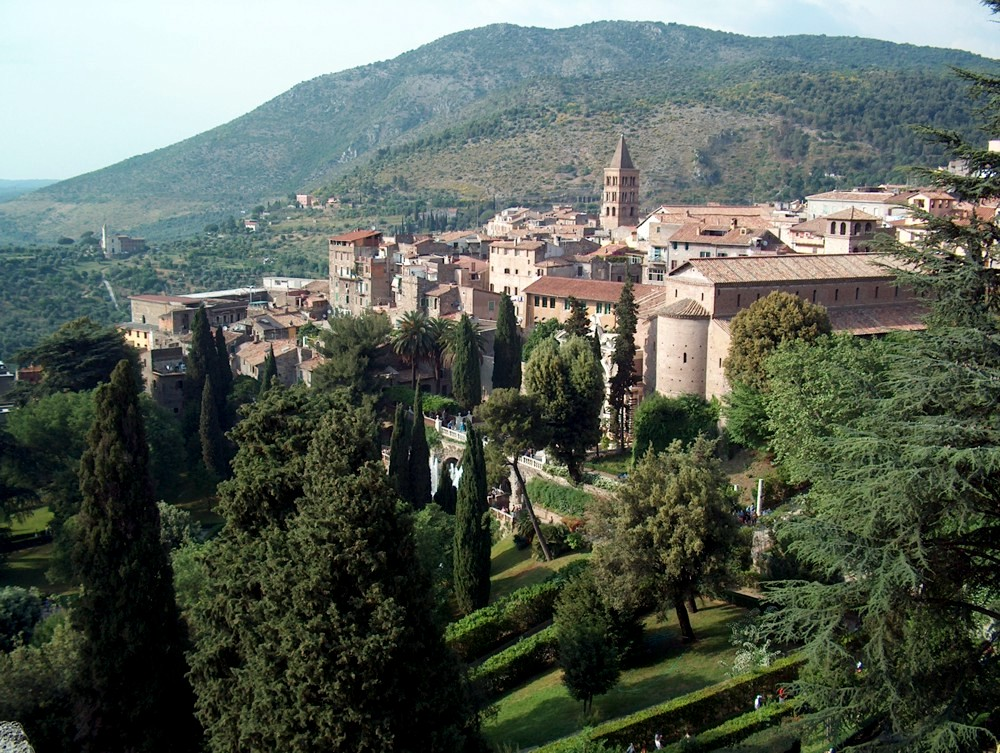 The town of tivoli hotel green park madama for Villa d este como ristorante