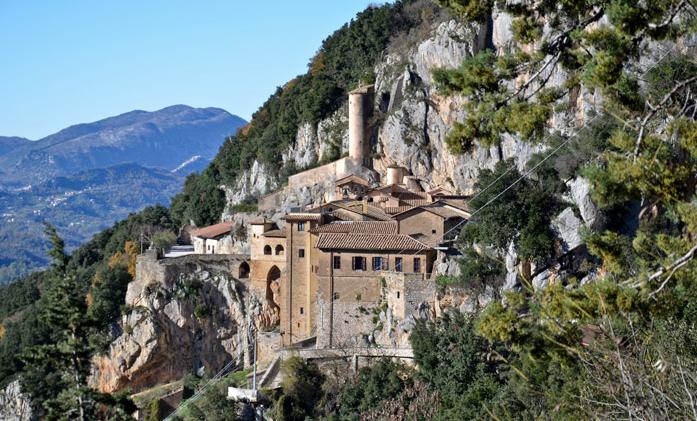 Monastero-San-Benedetto-Subiaco-esterno
