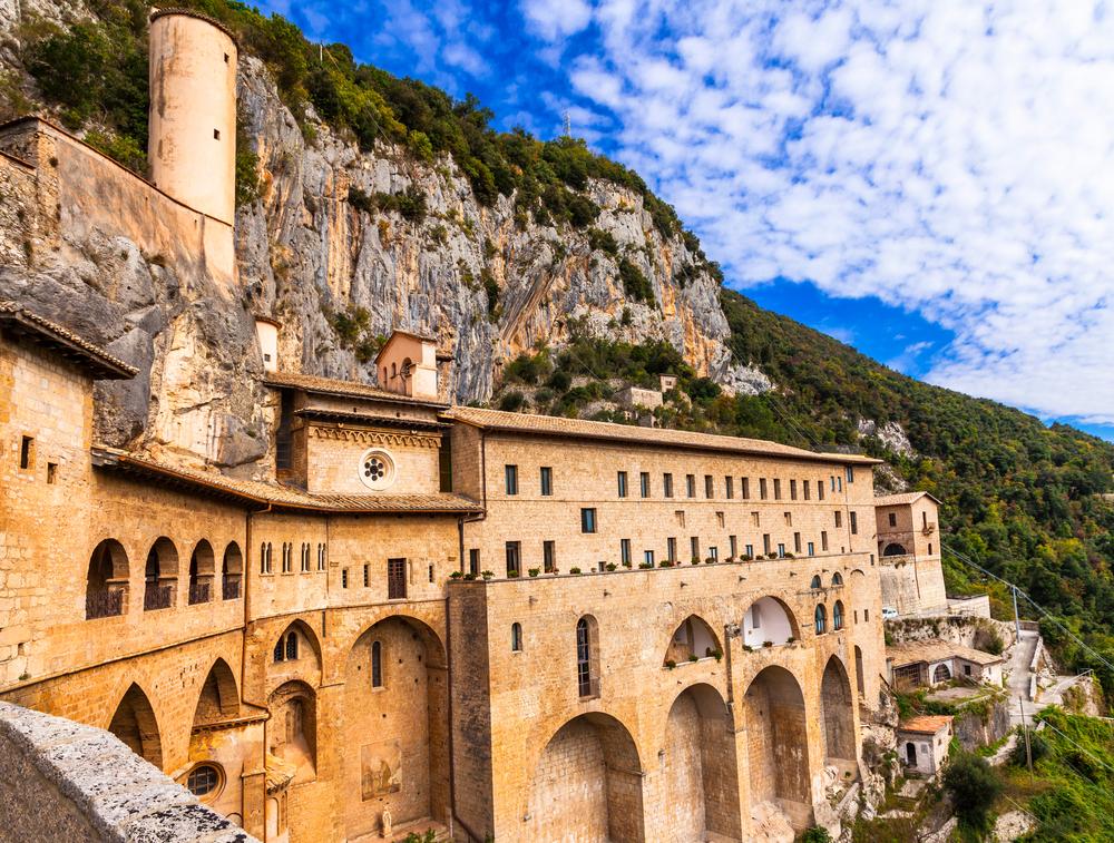 Lazio da visitare 10 posti da non perdere greenparkmadama for Visitare in italia